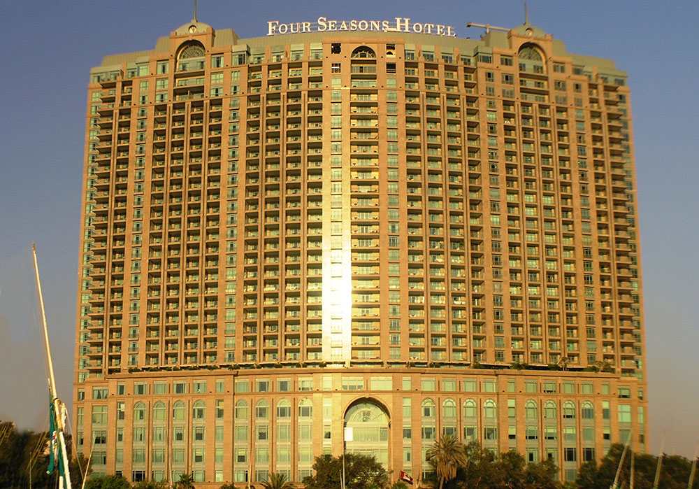 Four-Season-Hotel-Nile-Plaza